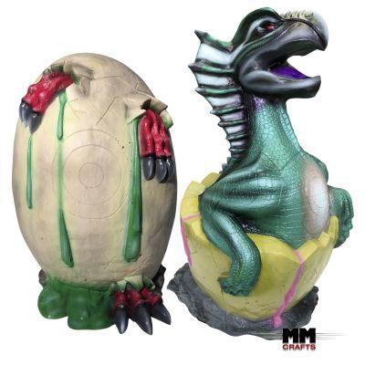 Zu sehen sind zwei Ziele für den Bogensport. Einmal ein Drache der aus einem Ei schlüpft und ein noch geschlossenes Drachen Ei.